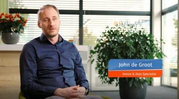 John de Groot VTM repair man still
