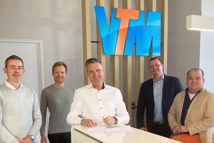 Ondertekening contracten VTM vs KPN IoT