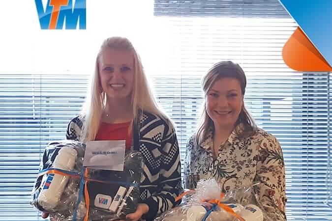 Vivian de Bloois en Jennifer Buurmans ServiceDesk VTM kl